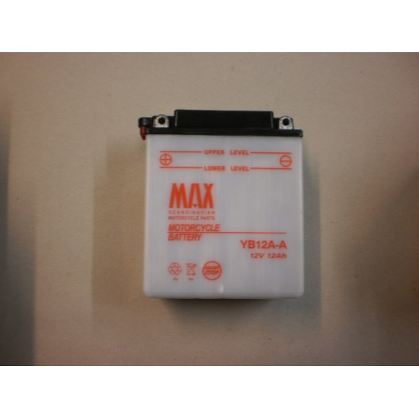Akkumulator YB12A-A